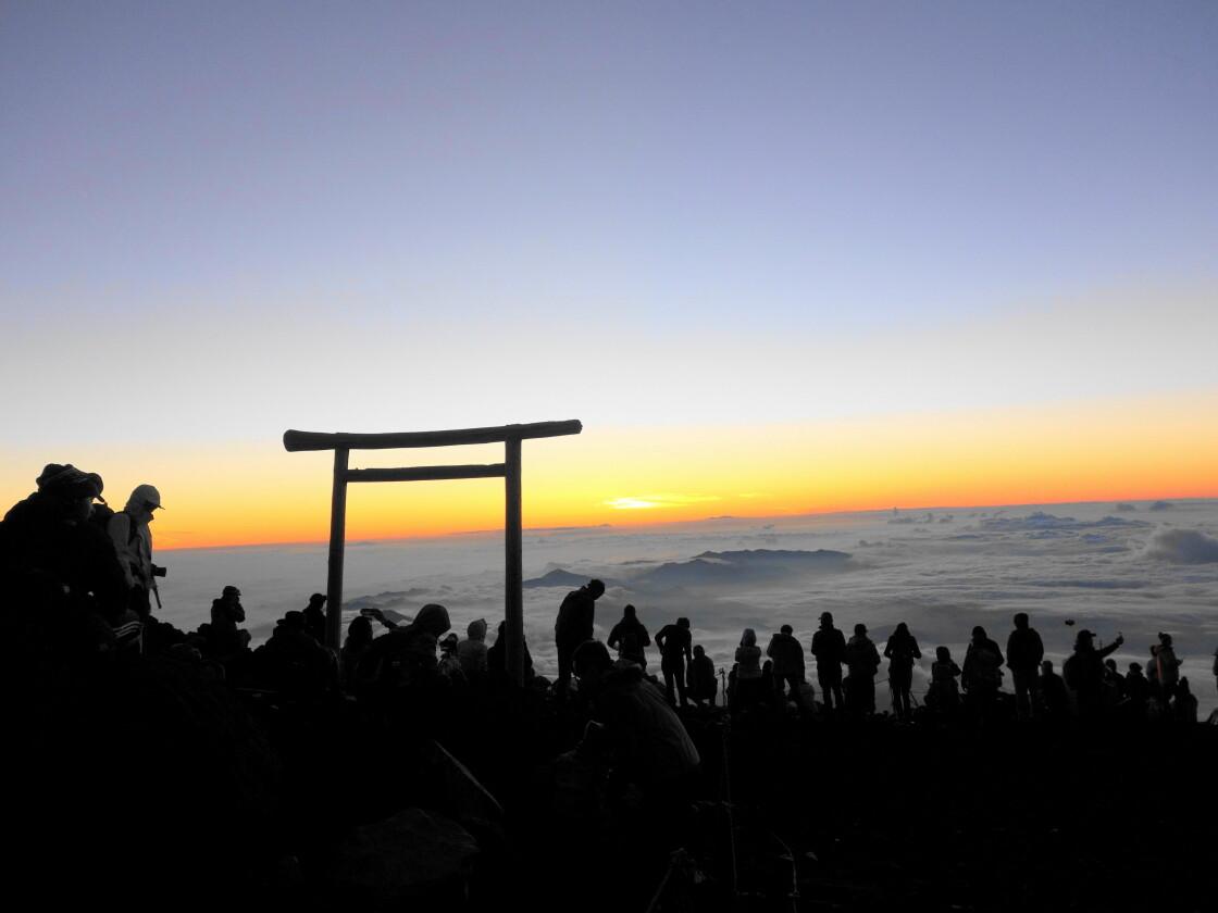 吉田口の頂上の様子