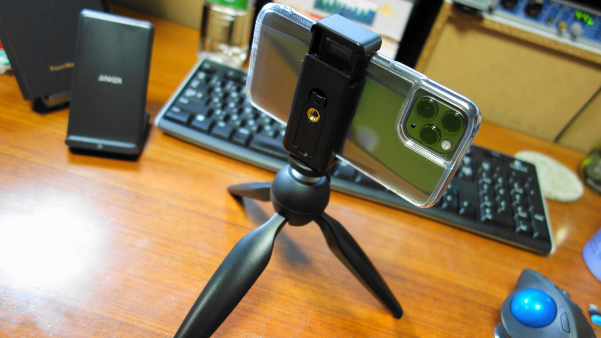 マンフロットの三脚iphone11pro装着例